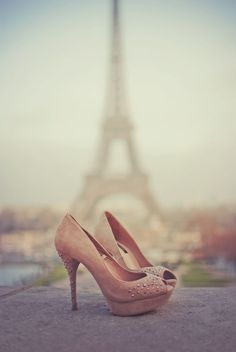 eiffel tower pink shoes